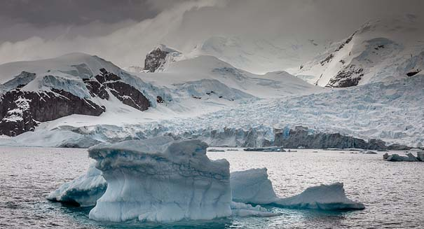 Scientists finally understand why 'blood' is gushing from famous glacier