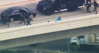 Police rescue kids after father tries to throw them off bridge in San Diego