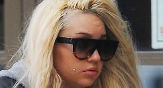 Hide your kids, hide your wife: Amanda Bynes is on the loose