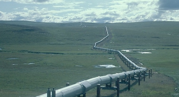 the environmental and economical concerns of the construction of the keystone pipeline between canad The keystone xl pipeline: economic breakthrough or environmental disaster  trans-canada, the company that will be building the pipeline, emphasizes the safety benefits it points to the .