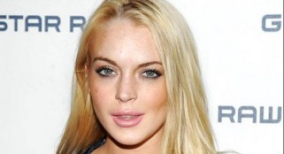 Lindsay Lohan includes meeting fans as part of her court-ordered community service