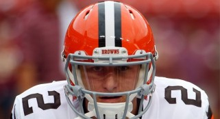 Manziel defeated, humbled in starting debut for Browns