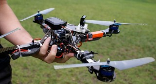 Quadcopter drone crash lands on White House lawn