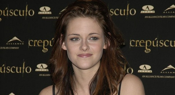 Kristen Stewart: &#8216;Snow White&#8217; sequel will be &#8216;f&#8211;king amazing&#8217;
