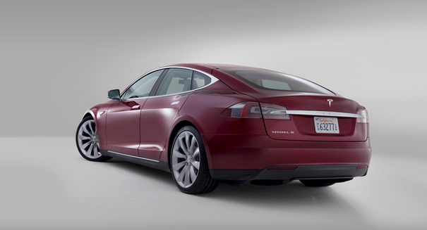 Tesla Motors reveals new Model S wall charger to combat fires