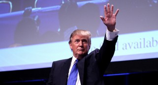Trump says he's 'serious' about 2016 bid, but no one is buying it
